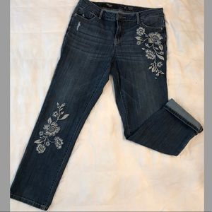 Simply Vera Wang Embroidered Denim Capris Size 8
